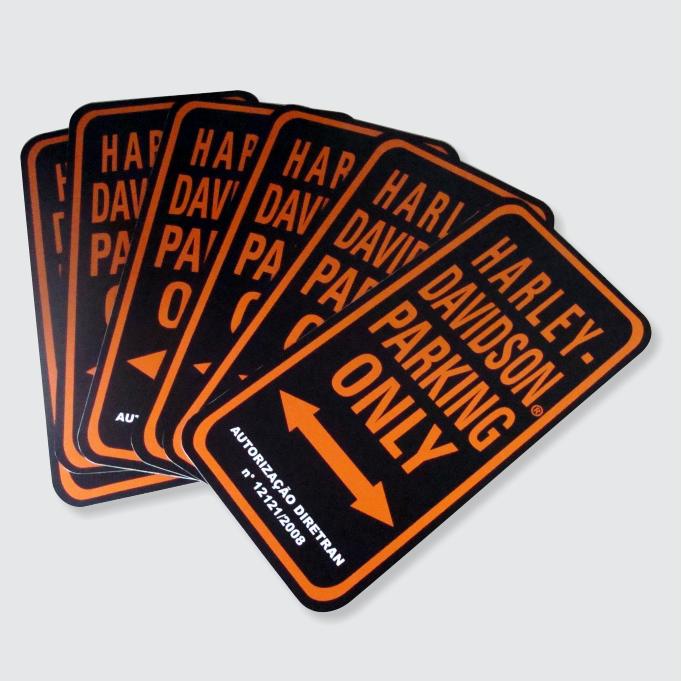 Placas em PVC ou acrílico para comunicação visual